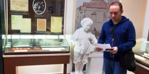 Стихи Габдуллы Тукая читают в Доме-музее В.И.Ленина.